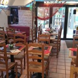 Falafel Byblos - Grenoble, France. Simple et chaleureux