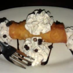 Scalini's Italian Restaurant - Canoli. Back off, it's mine. - Smyrna, GA, Vereinigte Staaten