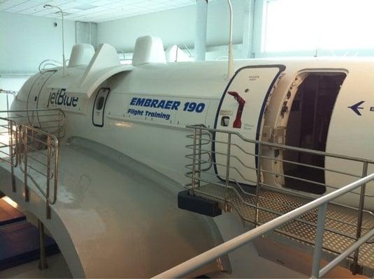 E190 cabin simulator yelp for At siam thai cuisine orlando fl