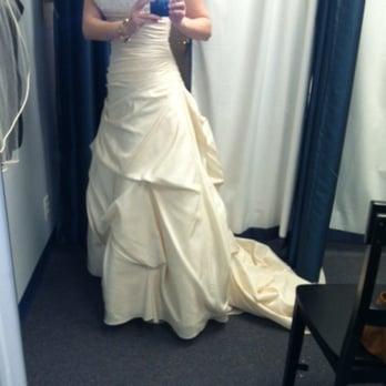 Encore bridal and formalwear bridal 123 n maple st for Wedding dress shops in murfreesboro tn