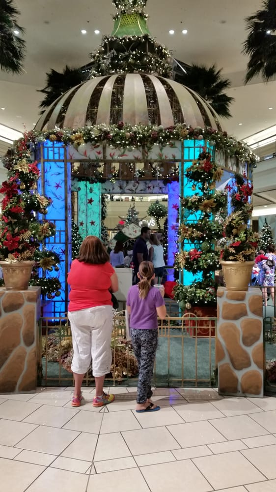 Santa Photos At Gardens Mall In Palm Beach Gardens Fl Yelp