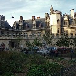 Le Musée de Cluny et la statue de Puvis…