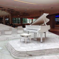 Samogrające pianino na poziomie…