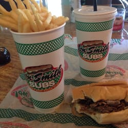 Jon Smith Subs - Palm Beach, FL, États-Unis. medium fry is the size of a medium drink!