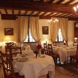 H tellerie du val d or restaurant bourguignon for Salle a manger yelp