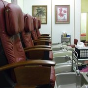 Angel Nails - Newport, RI, États-Unis. Pedicure chairs: awesome!