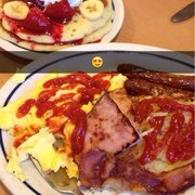 IHOP - Palmdale, CA, États-Unis. The food was great! Everything was cooked well and delicious ! The pancakes were one of the best I've ever had! (: