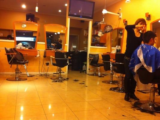 Beauty salons brooklyn find beauty salons in brooklyn ny for A la mode salon brooklyn