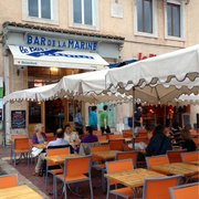 Bar de la Marine - Marseille, France. Le bar et sa terrasse :-)