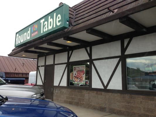 Round table pizza roseburg or united states yelp for Table 52 yelp