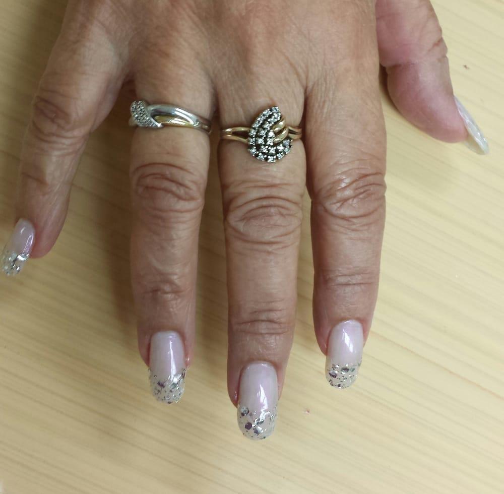 Round Shaped Acrylic Nails