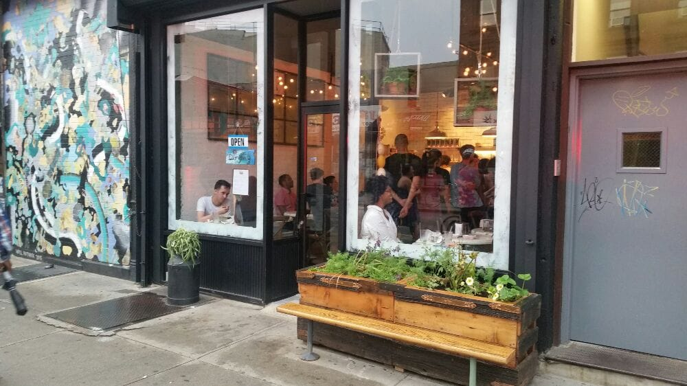 5 новых ресторанов Нью-Йорка, открывшихся в июне