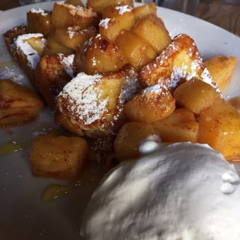 ... . The cinnamon pineapple French toast. So original and amazing item