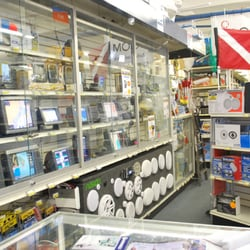 Crook crook marine electronics fishing and marine for Miami fishing supply