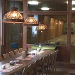 Blick auf die Kegelbahn mit Tisch