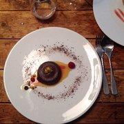 La Pente douce - Toulouse, France. moelleux au chocolat et fruits de la passion; je pense  un des meilleurs que j'ai eu mangé