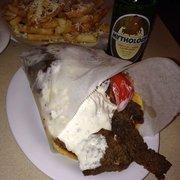 Plaka Restaurant - Gyro, Greek fries and a Greek beer - Tarpon Springs, FL, Vereinigte Staaten