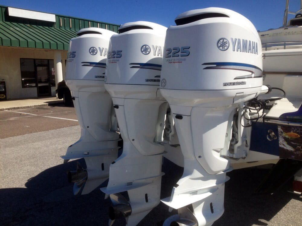 250 yamaha outboards painted insignia white awlcraft 2000 for Yamaha outboard mechanic near me