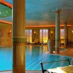 Pool im 700m² großen PRIVATE SPA