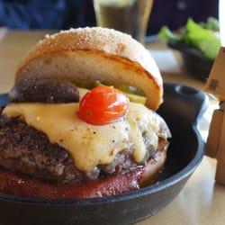 Plan Check Kitchen + Bar - plan check burger - Los Angeles, CA, Vereinigte Staaten