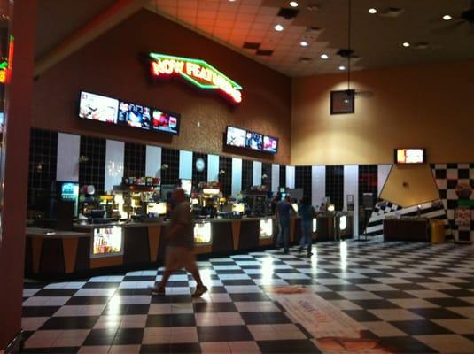 Cinemark - Theatre Detail - Cinemark Hollywood USA