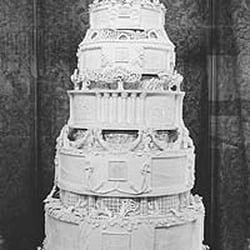 The Queens wedding cake