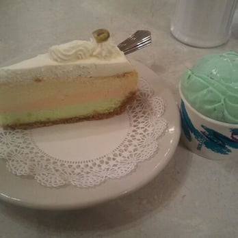 Angelo Brocato - Spumoni cheesecake and pistachio almond gelato - New ...