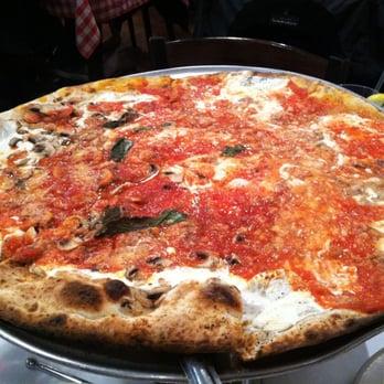 Grimaldi S Pizzeria 60 Photos Pizza Garden City Ny Reviews Menu Yelp
