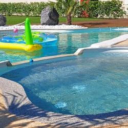 Ruiz construction piscines 14 photos piscine 14 for Construction piscine gironde