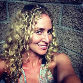 Curls on top 18 photos hair salons laguna beach ca for 18 8 salon rancho santa margarita