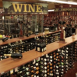 Highlands Wine Seller logo