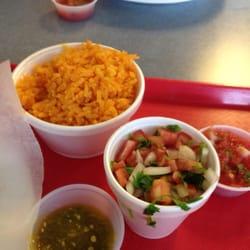 Anita's Mexican Grill - Rice and salsa - West Palm Beach, FL, Vereinigte Staaten
