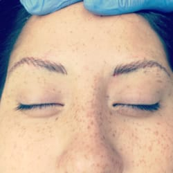 Be Forever Flawless - Permanent Makeup.. Feathered hair strokes eyebrows - Carlsbad, CA, Vereinigte Staaten