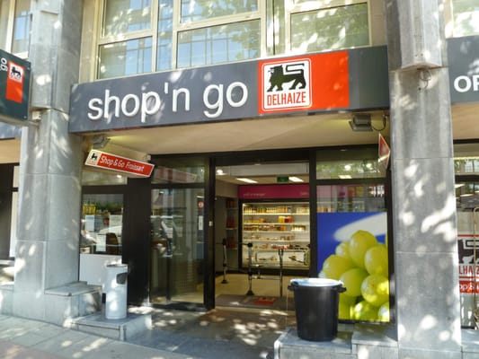 """dating delhaize antwerpen Lode nov 10, 2004 at 6:42pm sorry wal-mart, we belgians have been doing this for years it's called """"delhaize dating"""" (delhaize is the parent company of the american food lion markets), and it's quite a rage in the city of antwerp."""