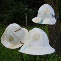 Judee Moonbeam Studio - Piecework hats using vintage linens - Portland, OR, Vereinigte Staaten