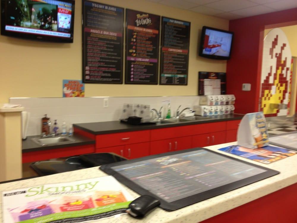 Secaucus (NJ) United States  city pictures gallery : Retro Fitness Gyms Secaucus, NJ, United States Reviews Photos ...