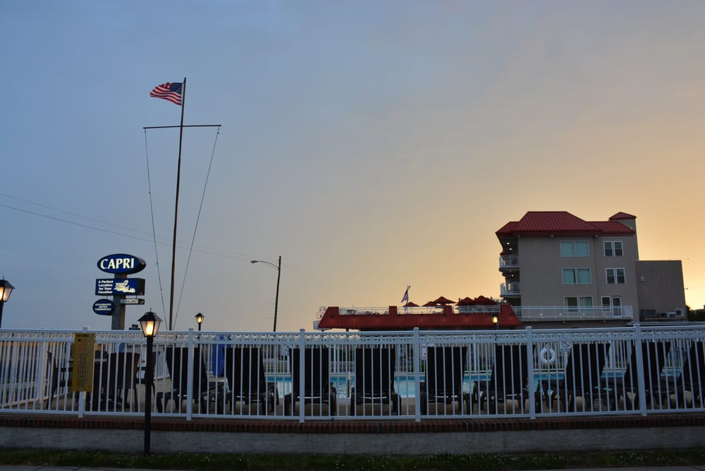 Capri motor lodge hotels cape may nj reviews for Capri motor lodge cape may