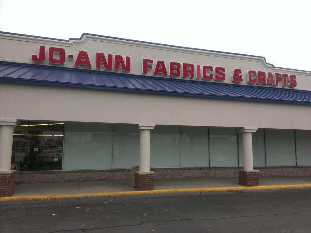 Jo ann fabric and craft fabric haberdashery 125 e for Joann craft store near me