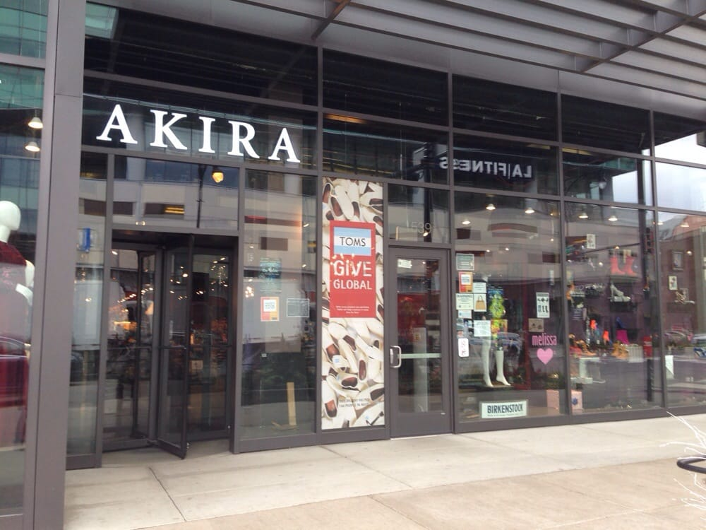 Clothing stores in chicago il