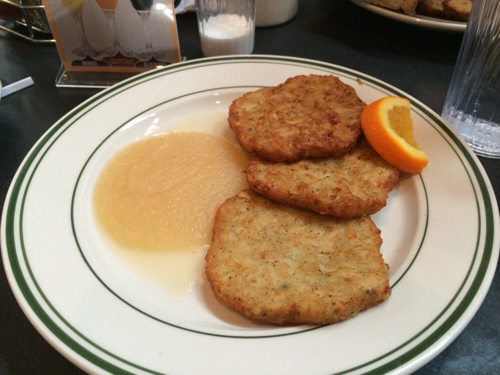 Potato Pancakes With Applesauce Pancakes With Applesauce