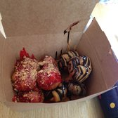 Beavers Donuts - Strawberry Nutella & Reese's - Chicago, IL, Vereinigte Staaten