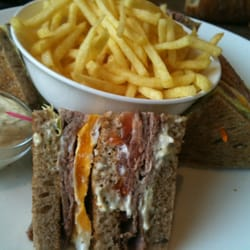 Club sandwich- roast beef