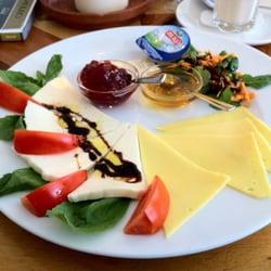 Frühstück Roma u.a. mit…