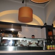 Pizzeria Ortica - Costa Mesa, CA, États-Unis. Pizza making guys - wish I could tell them to stop burning the pizzas! =P