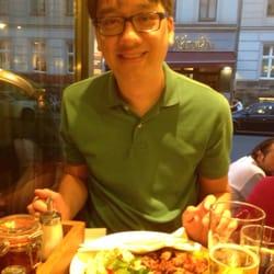 Eating some kabob at Hasir in Berlin.