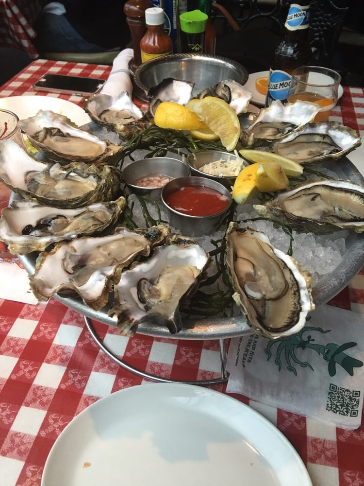 Love the oysters here will come back for more yelp for Kings fish house