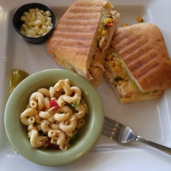 ... . Spicy chicken grilled sandwich with pasta salad (ignore the cheese
