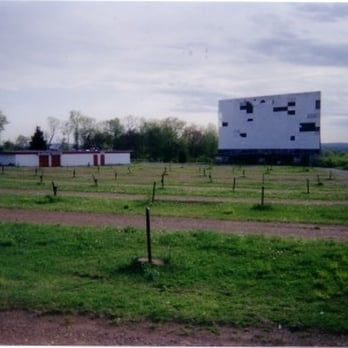 hartford drive in closed 18 photos movie theater newington ct reviews yelp. Black Bedroom Furniture Sets. Home Design Ideas