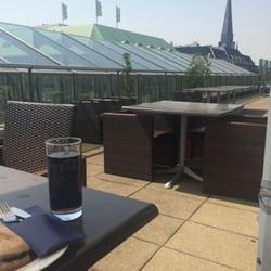 Über den Dächern ein kühles Getränk bei…