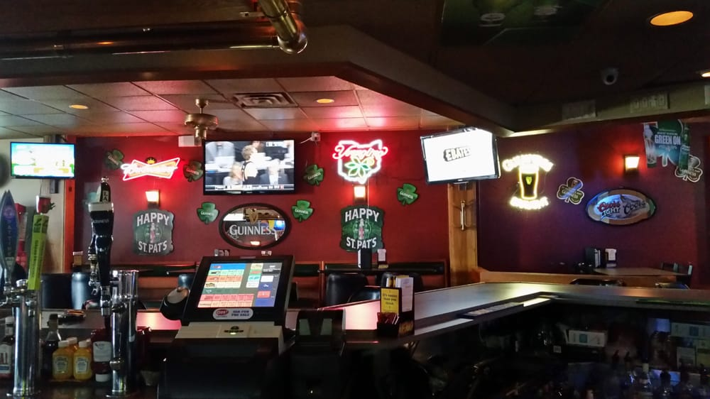 Perrysburg (OH) United States  City pictures : Quarters Bar & Grill Perrysburg, OH, United States. Cool shaped bar ...